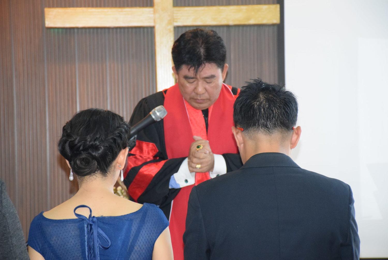 ประกอบพิธีสมรสศักดิ์สิทธิ์